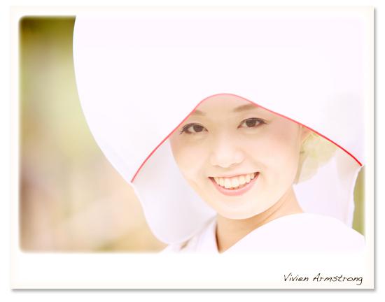 白無垢で洋髪で綿帽子