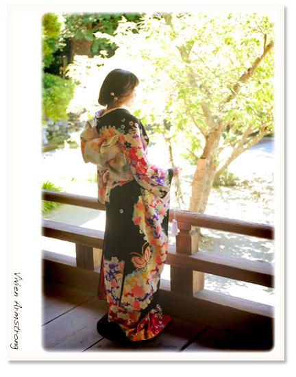 鎌倉で黒引き振袖を着る花嫁