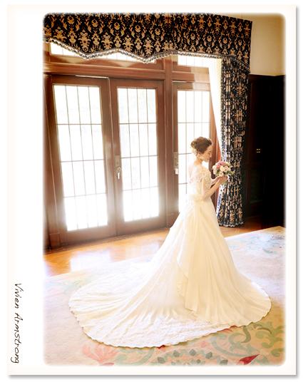 旧前田邸の美しい光で撮る結婚写真