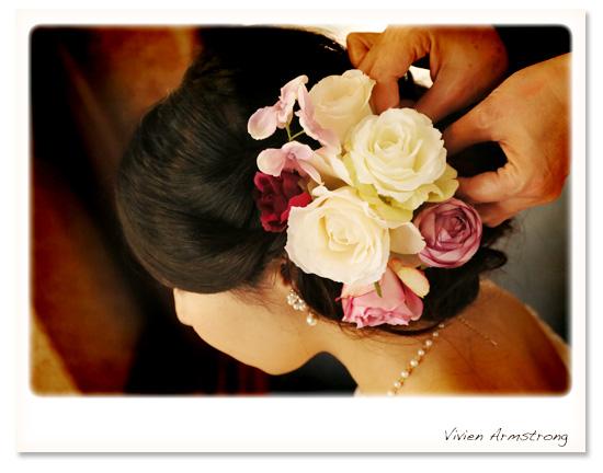お花のヘアパーツにヘアチェンジ