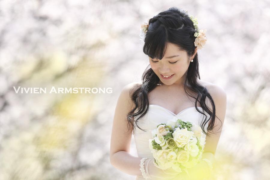 ウェディングドレスで桜ロケーション前撮り
