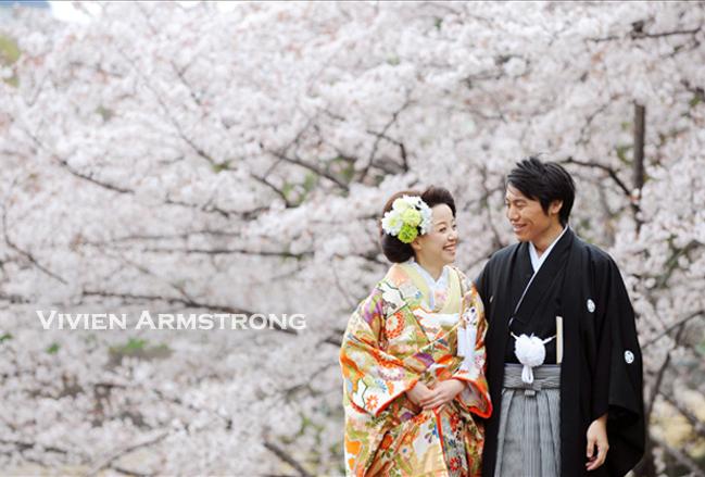 色打掛の和装で桜ロケ前撮り
