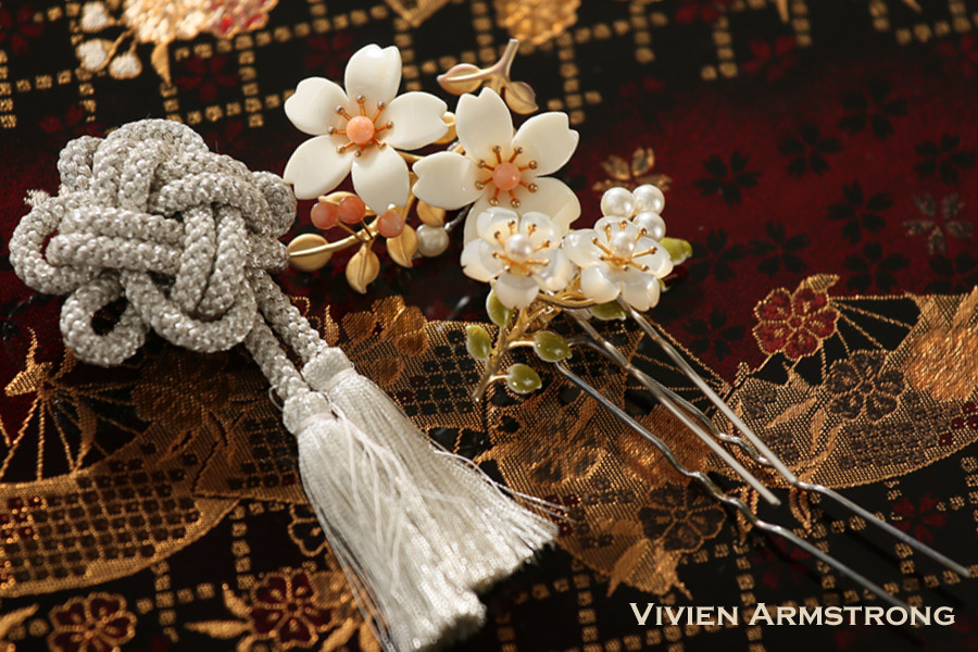 清楚で美しい花嫁に象牙風かんざし
