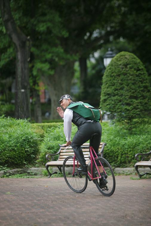 赤坂ブライダルフォトグラファーズの、ちょっといい話-赤坂迎賓館 自転車02