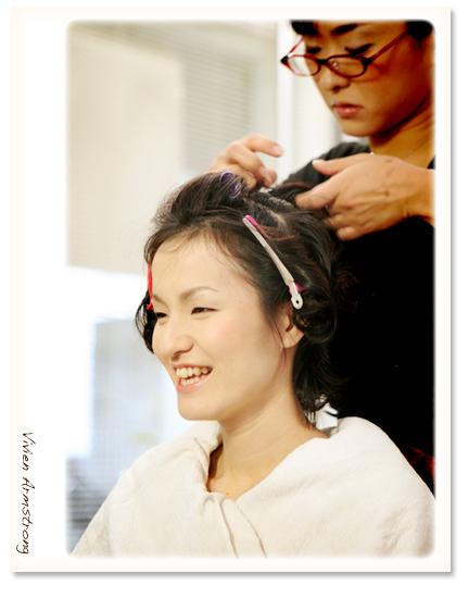 日本髪を結うご新婦様