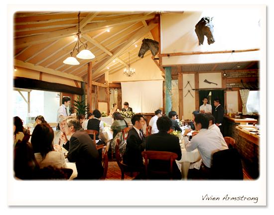 レストランピレネー披露宴中の店内の様子