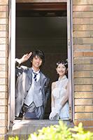 旧前田家本邸洋館でフォトウェディングをする新郎新婦
