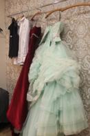 ブライズルームには素敵なカラードレスとご準備されています