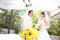 ご結婚式の前にカフェテラスでウェディングのスナップ撮影