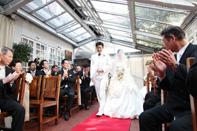 挙式当日の入場する新郎新婦のドキュメンタリースナップ