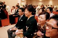 インターコンチネンタル東京ベイ挙式中のゲストの笑顔