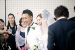 結婚式後のお二人の笑顔 インターコンチネンタル東京ベイ