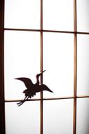 東京のウェディングフォトが撮影できる料亭の、和装の新郎と白無垢姿の新婦のドキュメンタリースナップのイメージカット