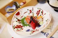 東京のウェディングフォトが撮影できる料亭での会食中のイメージカット
