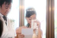 挙式当日の新婦の手紙のドキュメンタリースナップ