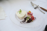 ウェディングケーキのお写真カット