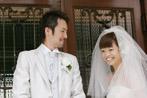マダムトキ結婚式で誓いのキス~照れる二人