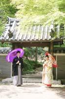 横浜鎌倉三渓園 日本庭園で色打掛と紋付袴を着て和装前撮り
