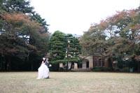 旧前田侯爵邸 開放的な屋外でのロケーションフォトウェディング