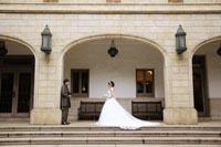 旧前田侯爵邸の広大なテラスで海外に来たかのような豪華な和洋装フォトウェディング
