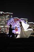 横浜の夜景でロマンティックなナイトロケーションフォトウェディング
