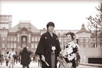 重要文化財東京駅丸の内駅舎をバックに和装でのフォトウェディング