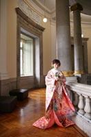 東京国立博物館表慶館でフォトウェディングを撮影する和装の新婦