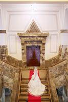 パルテノン神殿のような洋館でドレスの洋装フォトウェディング
