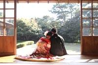 横浜三渓園の和室で和装のフォトウェディング撮影