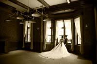 ドレスで雰囲気のある写真を洋館ロケーションで