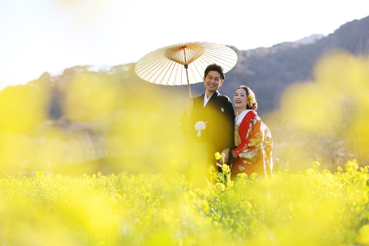 河津桜と菜の花ロケーションでフォトウェディング