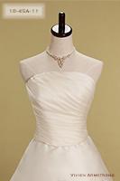 Canta Bella ウエストに向かうシャープなドレープが美しいビスチェタイプのウェディングドレス
