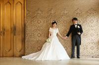 東京国立博物館のラウンジは線画をモザイクタイルで表現された壁面でできています