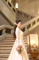 東京国立博物館でアンティークドレスを着たダウンスタイルの新婦様