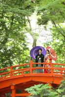 新緑の映える小石川後楽園で和装フォトウェディング