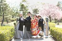 越谷花田苑で桜と一緒にファミリーフォトウェディング