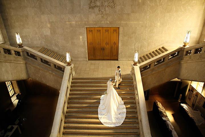 東京国立博物館の大階段でウェディング撮影